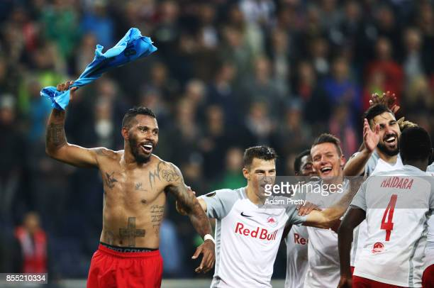 Paulo Miranda of Red Bull Salzburg celebrates victory after the UEFA Europa League group I match between RB Salzburg and Olympique Marseille at Red...