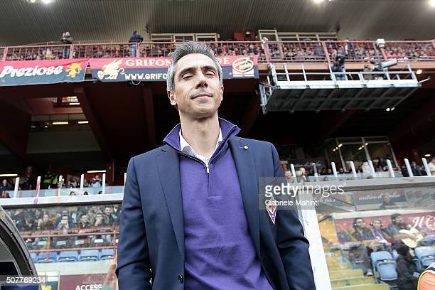 Paulo Sousa manager of ACF Fiorentina looks on during the Serie A match between Genoa CFC and ACF Fiorentina at Stadio Luigi Ferraris on January 31...