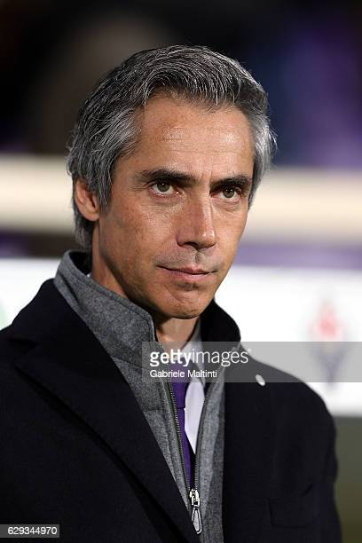 Paulo Sousa manager of ACF Fiorentina looks on during the Serie A match between ACF Fiorentina and US Sassuolo at Stadio Artemio Franchi on December...