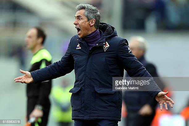 Paulo Sousa manager of ACF Fiorentina shouts instructions to his players during the Serie A match between ACF Fiorentina and Hellas Verona FC at...