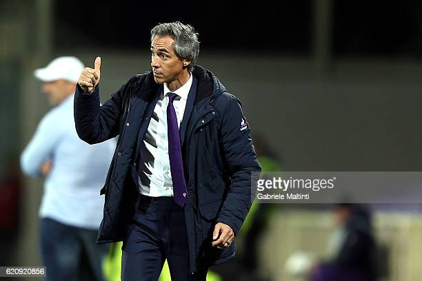 Paulo Sousa manager of ACF Fiorentina shouts instructions to his players during the UEFA Europa League match between ACF Fiorentina and FC Slovan...