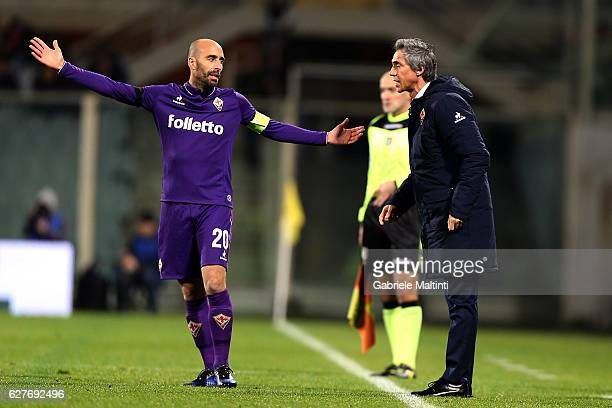 Paulo Sousa manager of ACF Fiorentina talks with Borja Valero of ACF Fiorentina during the Serie A match between ACF Fiorentina and US Citta di...