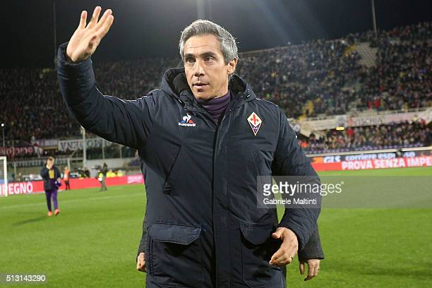 Paulo Sousa manager of AFC Fiorentina gestures during the Serie A match between ACF Fiorentina and SSC Napoli at Stadio Artemio Franchi on February...