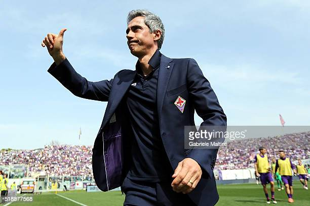 Paulo Sousa manager of AFC Fiorentina gestures during the Serie A match between ACF Fiorentina and UC Sampdoria at Artemio Franchi on April 3 2016 in...