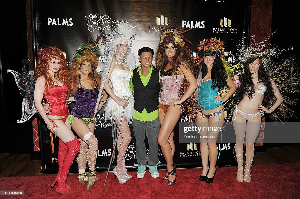 Palms Pool & Bungalows Hosts A Midsummer Night's Dream - An Enchanted Lingerie Masquerade
