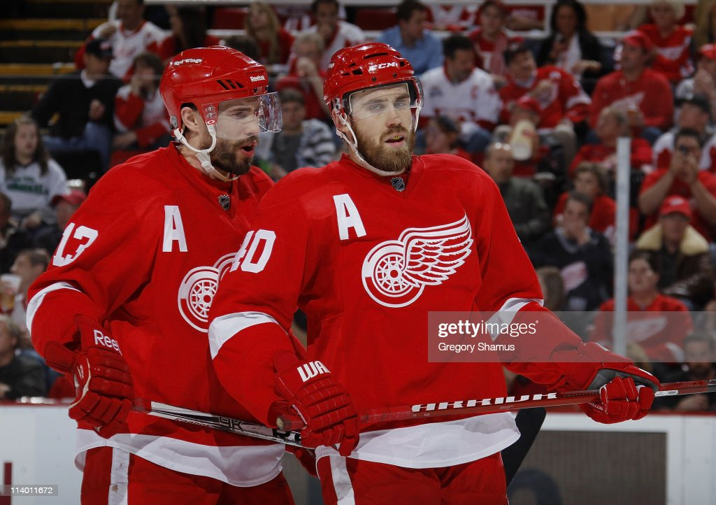 San Jose Sharks v Detroit Red Wings - Game Six : News Photo