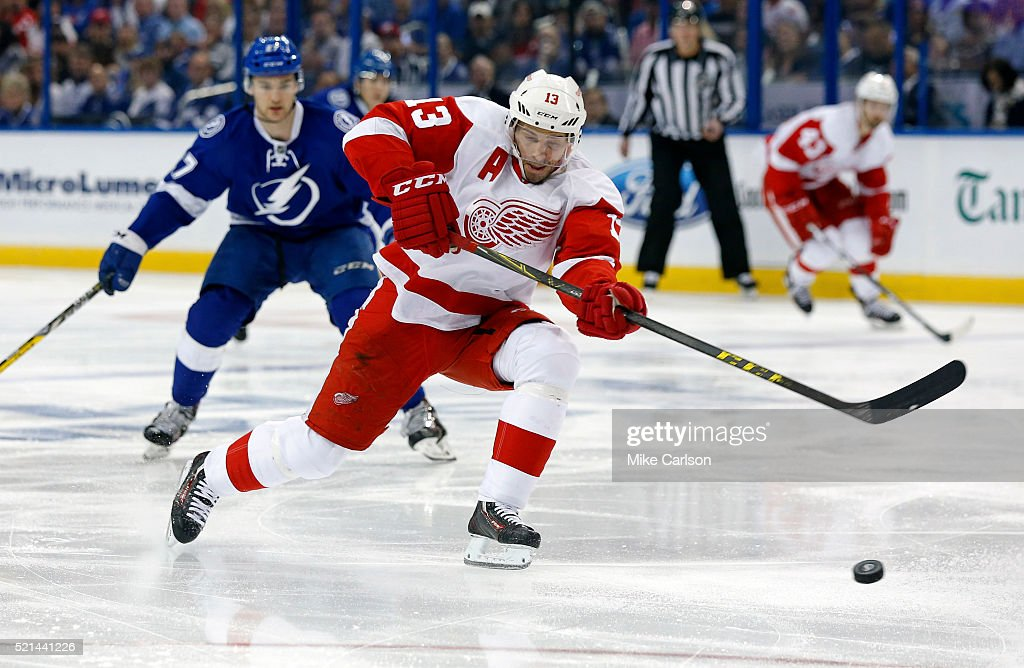 Detroit Red Wings v Tampa Bay Lightning - Game Two : News Photo