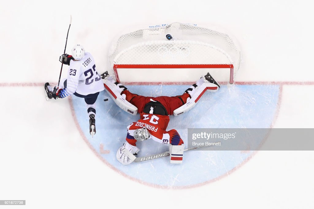 Pavel Francouz #33 of the Czech Republic makes a save against Troy Terry #23 of the United States in the overtime penalty-shot shootout during the Men's Play-offs Quarterfinals on day twelve of the PyeongChang 2018 Winter Olympic Games at Gangneung Hockey Centre on February 21, 2018 in Gangneung, South Korea.
