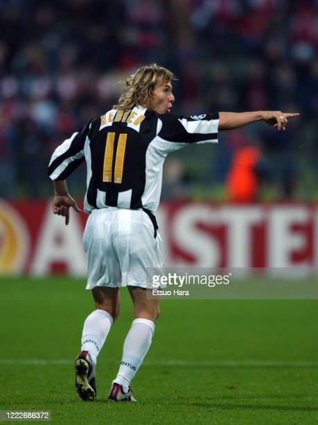 Pavel Nedved of Juventus instructs during the UEFA Champions League Group C match between Bayern Munich and Juventus at the Olympiastadion on...