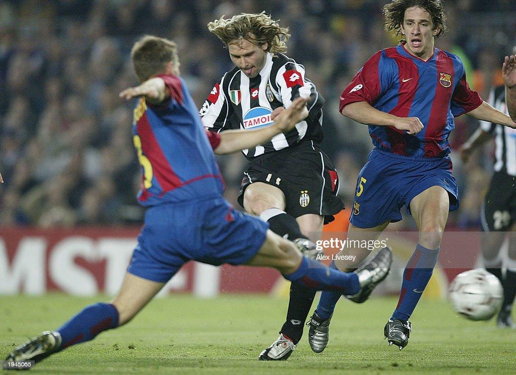 Pavel Nedved of Juventus scores  : News Photo