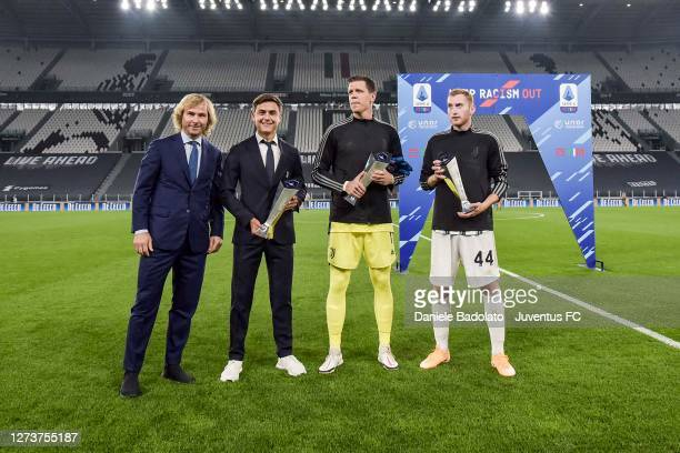 Pavel Nedved vicepresident of Juventus celebrates MVP of the month with Paulo Dybala Wojciech Szczesny and Dejan Kulusevski before the Serie A match...