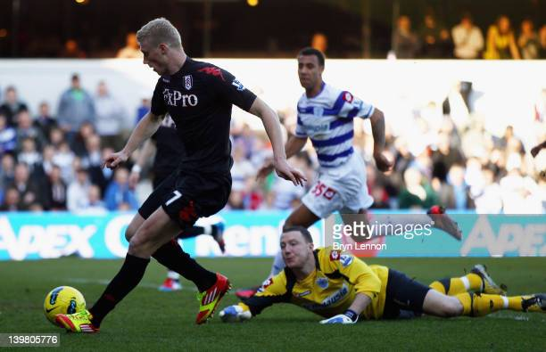 Pavel Pogrebnyak of Fulham scores during the Barclays Premier League match between Queens Park Rangers and Fulham at Loftus Road on February 25, 2012...