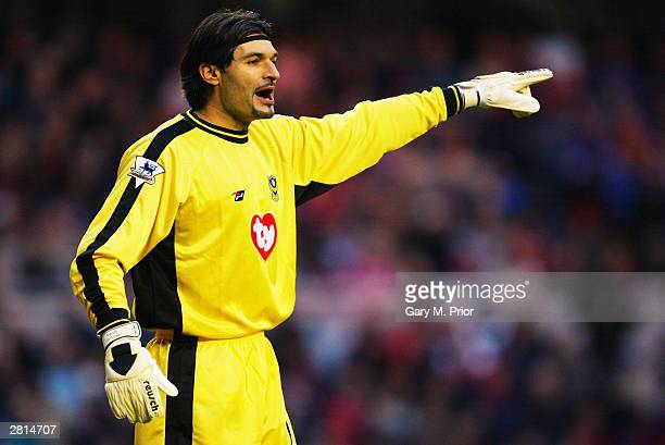 Pavel Srnicek of Portsmouth signals to a team mate during the FA Barclaycard Premiership match between Middlesbrough and Portsmouth on December 6,...