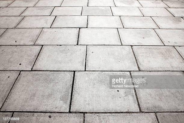 pavement - gehweg stock-fotos und bilder