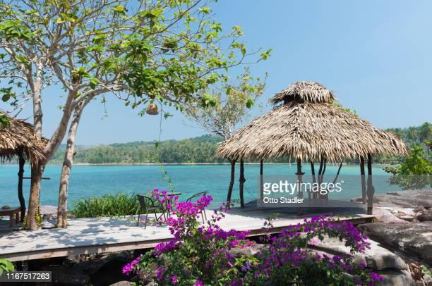 pavilion at klong chao beach on ko kut island - golf von thailand stock-fotos und bilder