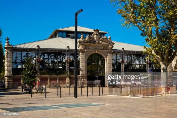 pavillon baltard,narbonne, aude, occitanie, france - タルブ ストックフォトと画像