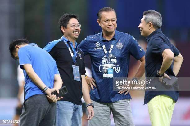 Pavin Bhirombhakdi , chairman of Bangkok Glass FC, and Newin Chidchob , chairman of Buriram United FC, have a talk prior to the Thai League 1 match...