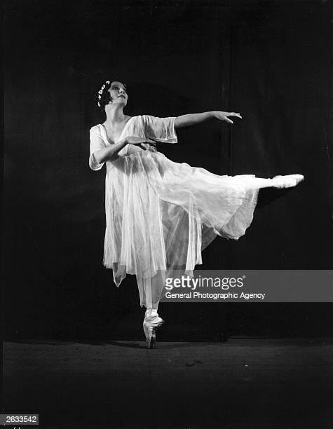 Russian ballerina Anna Pavlova performs in a production of 'Giselle'