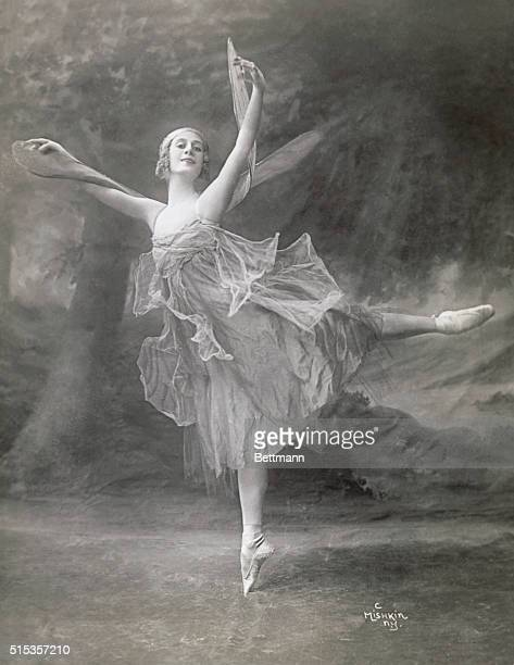Pavlova in Swan Lake ballet