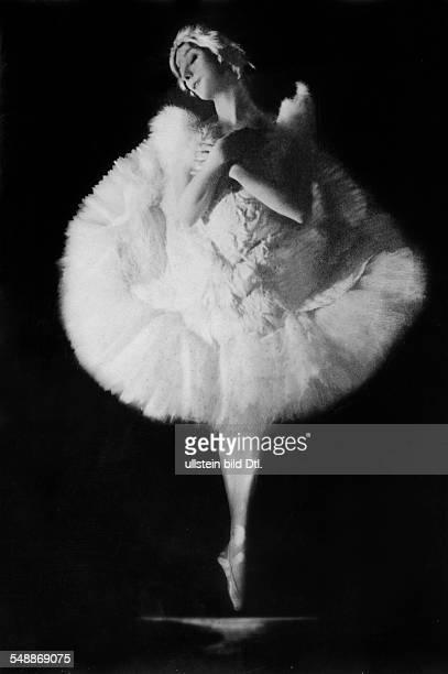 Pavlowa Anna Ballettaenzin Russland *12021881 the ballerina from the ballets russes dancing on points 1929 Photographer Alfred Gross Vintage property...
