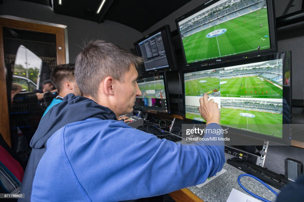 Video Assistant Referee In Poland : ニュース写真