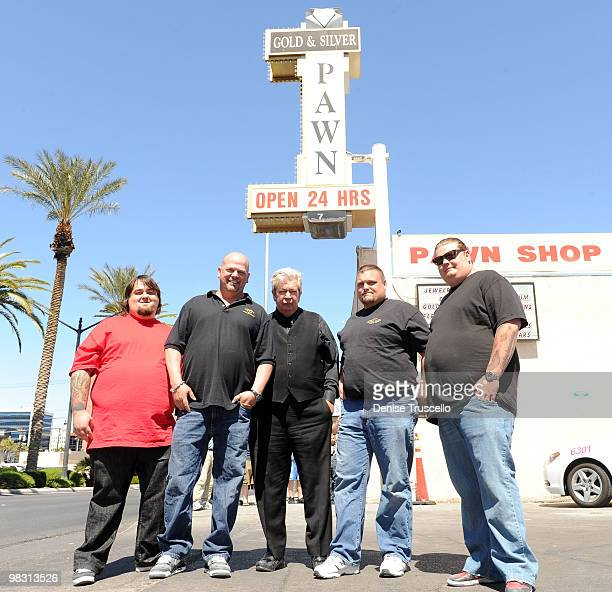 """""""Pawn Stars"""" Austin """"Chumlee"""" Russell, Rick Harrison, Richard Harrison and Corey Harrison pose for photos with """"Ax Men"""" Gabe Rygaard at Gold and..."""