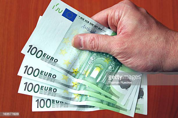 Paying Euro Bank Notes