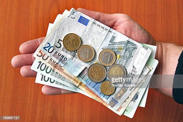Paying Euro Money
