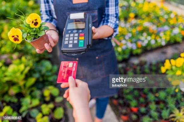 paying made easy - credit card purchase stock pictures, royalty-free photos & images