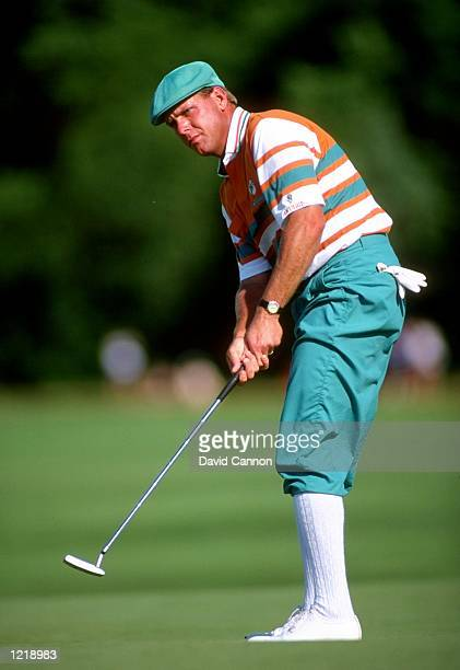 Payne Stewart of the USA putts during the US Open at Hazeltine National Golf Club in Minneapolis Minnesota USA Mandatory Credit David Cannon/Allsport