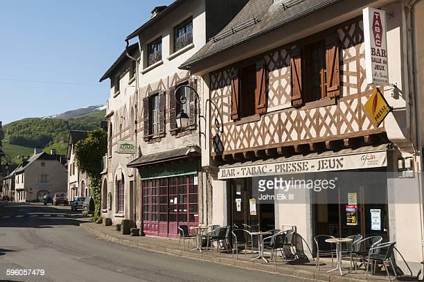 payolle town - village photos et images de collection