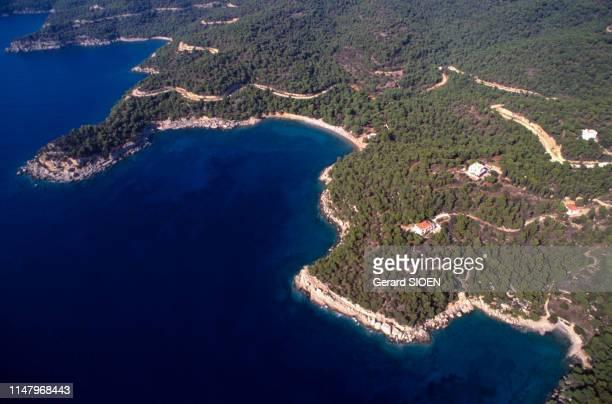 Paysage de la côte de l'île de Spetses, le 21 septembre 1989, Grèce.