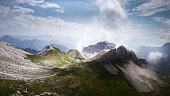 Paysage dramatique dans les Dolomites italiennes
