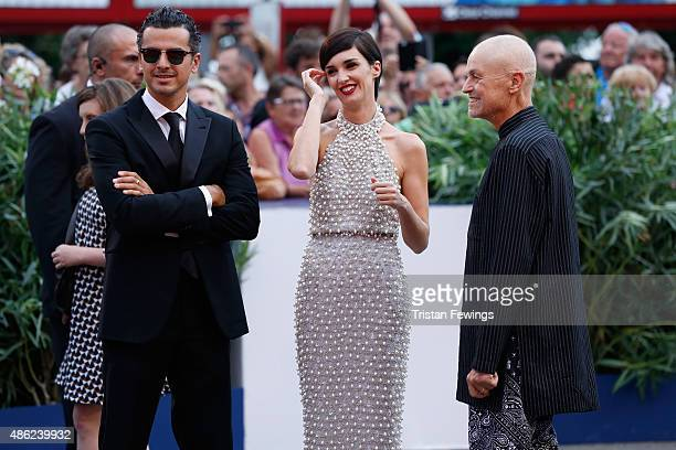 Paz Vega and Jonathan Demme attend the opening ceremony and premiere of 'Everest' during the 72nd Venice Film Festival on September 2 2015 in Venice...