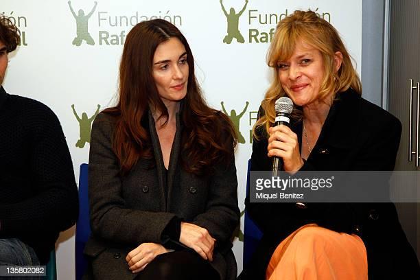 Paz Vega and Nastassja Kinski attend the presentation Integracion y Deporte on December 14 2011 in Barcelona Spain