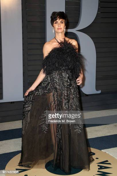 Paz Vega attends the 2018 Vanity Fair Oscar Party hosted by Radhika Jones at Wallis Annenberg Center for the Performing Arts on March 4 2018 in...