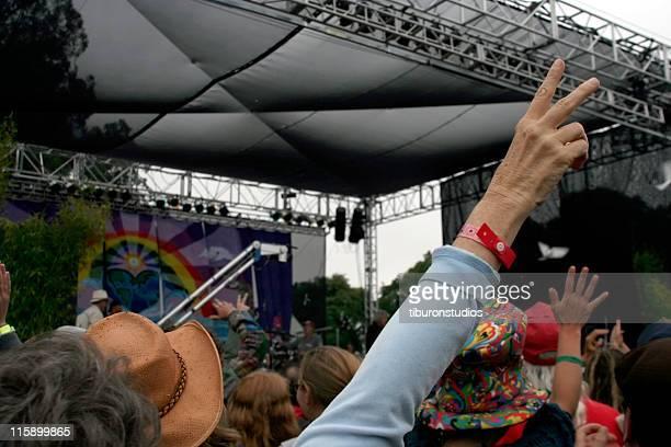 festival di pace - tranquil scene foto e immagini stock