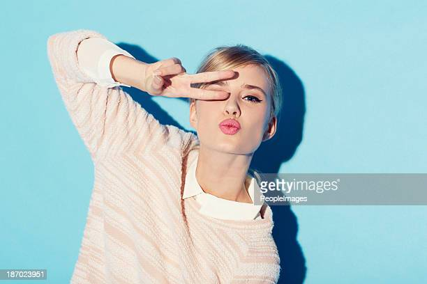 peace, love and beauty - young women stock pictures, royalty-free photos & images