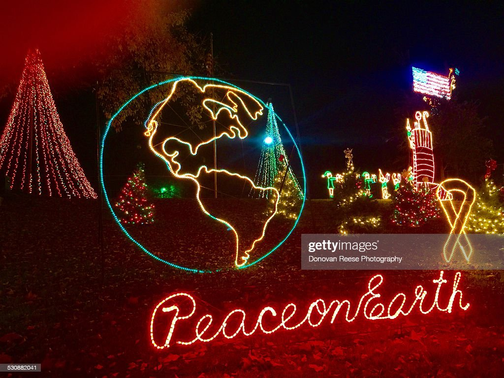 Marble Falls Christmas Lights.Peace On Earth Marble Falls Texas Parade Of Lights News