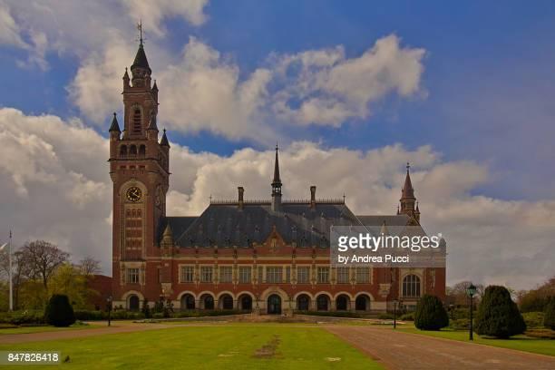 peace palace, the hague, netherlands - 国際法 ストックフォトと画像