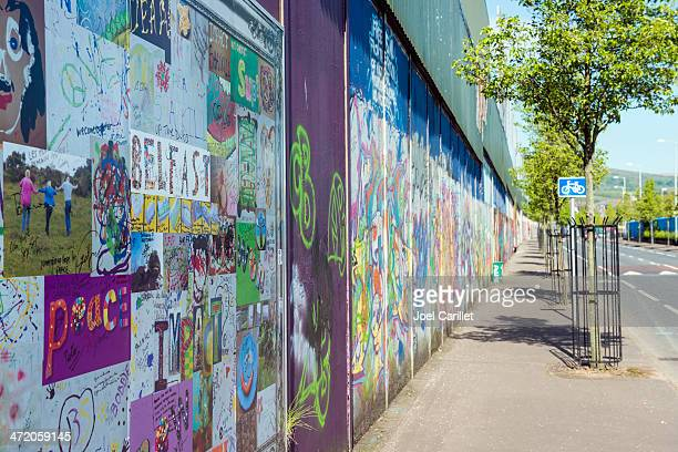 peace wall in belfast - belfast stock pictures, royalty-free photos & images