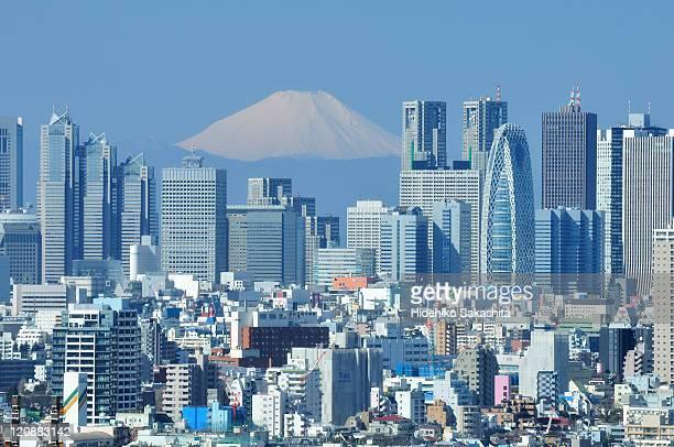 peaceful sunday, shinjuku, tokyo - tokio stock-fotos und bilder