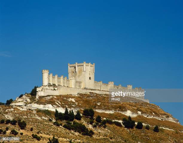 Peñafiel province of Valladolid Castile and Leon Spain Panoramic of the castle founded in 10th century by the Count Laín Calvo The Spanish poet Don...
