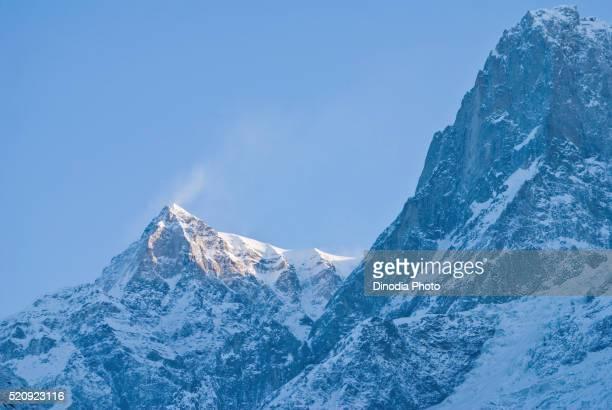 peak of meru meroo, kedarnath, uttaranchal, uttarakhand, india - meru filme stock-fotos und bilder
