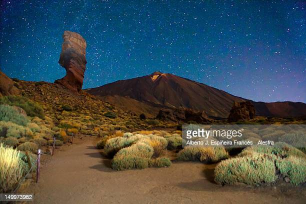 peak of rocky mountains - el teide national park stock pictures, royalty-free photos & images