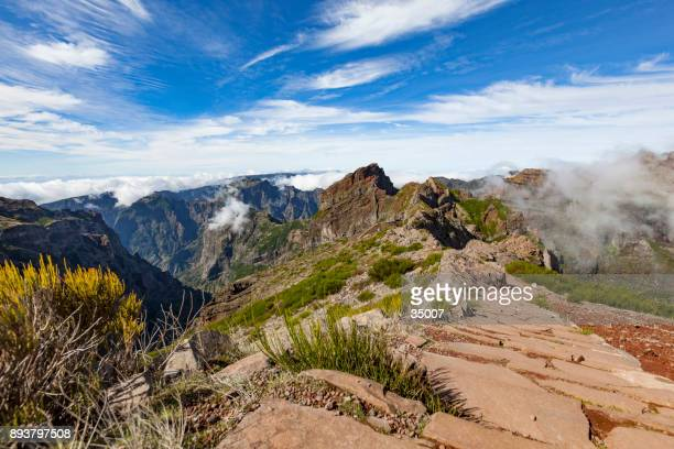 pico do areeiro hiking path, madeira island, portugal - named wilderness area stock pictures, royalty-free photos & images
