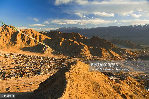 peak of victory and the town of leh, ladakh, indian himalayas, india, asia - 南アジア ストックフォトと画像