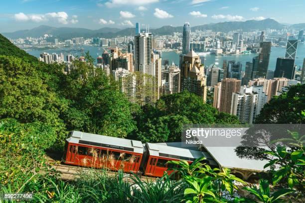 peak tram hong kong - victoria harbour hong kong stockfoto's en -beelden