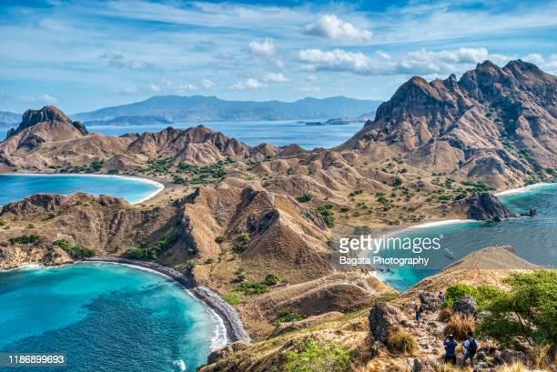 peak view, padar island - east nusa tenggara stock pictures, royalty-free photos & images