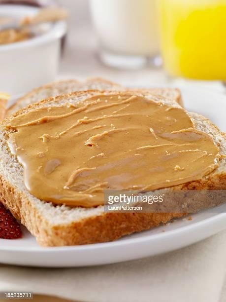 Peanut Butter auf Vollkornbrot